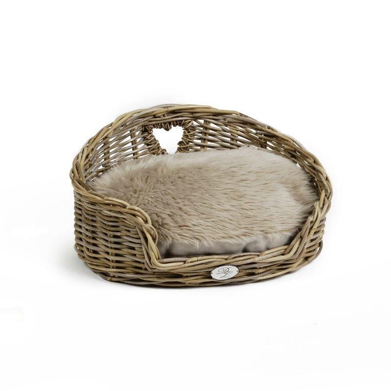 Designed by Lotte Kubu My Favorite koiran kori