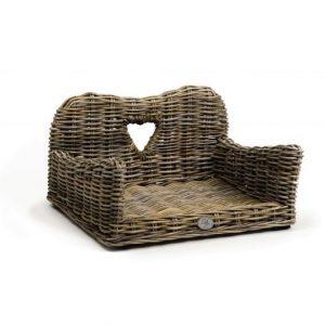 Designed by Lotte Kubu My Favorite koiran sohva